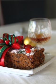 Moist Christmas Fruit Cake: Fruit cake is a traditional British Christmas cake that is full of fruits and nuts and laced with alcohol, usually brandy. This gives the fruit cake a subtle brandy flavor and a moist texture, plus it also allows the fruit cake to be stored fora long time. #cake #fruit #christmas