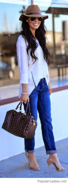 Blue jeans and white blouse, love her sandals