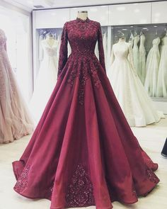 Ideas for indian bridal reception gowns outfit Indian Wedding Fashion, Indian Wedding Outfits, Bridal Outfits, Bridal Dresses, Indian Bridal, Blue Bridal, Party Wear Dresses, Event Dresses, Indian Designer Outfits