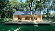 """goodwoodwould: """"Good wood - Japanese kings of minimalism Muji have launched their new prefab offering 'Yō no Ie', or 'Plain House'. The intention is that it's very open to encourage indoor/outdoor. Prefab Cabins, Prefabricated Houses, Prefab Homes, Tiny Homes, Estilo Muji, Casa Muji, Muji Hut, Sun House, Casa Patio"""