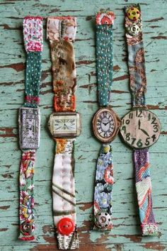 lovely idea for old watches. Yes !!! so cute.