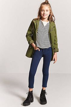 Girls' Jeans and Denim Teenage Girl Outfits, Little Girl Outfits, Outfits For Teens, Casual Outfits, Cute Outfits, Preteen Fashion, Kids Fashion, Fashion Fashion, Fashion Outfits