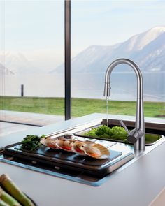 Franke faucets, available in pulldown, pullout spray and side spray!  #KitchenDecor #KitchenDesign