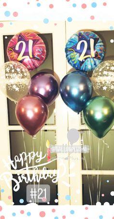 21e verjaardag vier je met mooie ballonnentrossen van Ballonplus.nl Bubble, Christmas Bulbs, 21st, Holiday Decor, Christmas Light Bulbs