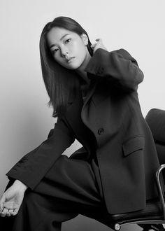 All Korean Drama, Girl Artist, Aesthetic People, Song Joong Ki, Korean Star, Formal Looks, Kdrama Actors, Korean Actors, Role Models