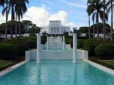 LDS Laie Hawaii Temple front view - Brigham Young University–Hawaii - Wikipedia Mormon Temples, Lds Temples, The Places Youll Go, Places To Go, Hawaii Temple, Temple Pictures, Lds Mormon, Lds Church, Church Ideas