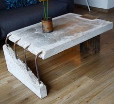 combination of old wood and concrete Concrete Table by Stephan Schmitz. Concrete Furniture, Concrete Wood, Diy Furniture, Furniture Design, Furniture Plans, System Furniture, Broken Concrete, Tile Wood, Timber Furniture