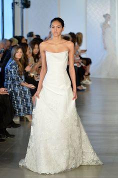 Pin for Later: Die 40 schönsten Hochzeitskleider der Brautmodenschauen Frühjahr/Sommer 2017 Oscar de la Renta Bridal Frühjahr/Sommer 2017