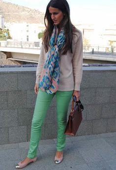 colores pastel  , Cortefiel en Jerseys, Zara en Pantalones