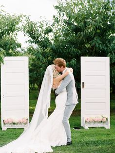 #Wedding Kiss! #wedding #alter