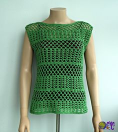 Free V-Stitch Crochet Top Pattern. The summer crochet tank top pattern is available in women sizes XS to XL. The open stitch makes it perfect for summer. Crochet Summer Tops, Easy Crochet, Crochet Lace, Free Crochet, Crochet Tops, Double Crochet, Crochet Bodycon Dresses, Black Crochet Dress, Vogue Knitting