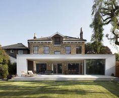 Jamie Theakston's Chiswick house by architect Richard Found of Found Associates Architecture Extension, Architecture Durable, Residential Architecture, Amazing Architecture, Contemporary Architecture, Interior Architecture, Contemporary Patio, Extension Designs, Glass Extension