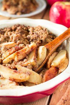 Paleo Maple Pecan Apple Crisp {Vegan} | Paleo Running Momma Paleo Apple Crisp, Gluten Free Apple Crisp, Apple Crisp Recipes, Paleo Sweets, Paleo Dessert, Apple Desserts, Healthy Desserts, Dessert Recipes, Potato Crisps