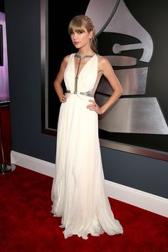 Taylor Swift in J. Mendel at the 2013 Grammy Awards