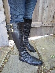 how to strech leather boots using perfume