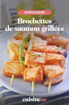 Les brochettes de saumon grillées sont à cuire à la plancha ou au barbecue. #recette#cuisine#brochette#saumon #plancha #barbecue #bbq Pork, Meat, Gourmet, Grilled Salmon Kabobs, Lime Juice, Deep Dish, Kale Stir Fry, Pork Chops