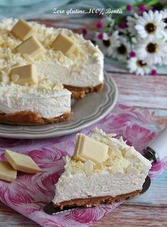 Torta fredda al cioccolato bianco golosa,fresca e facilissima da preparare. Un dessert perfetto da servire in ogni occasione,dal successo assicurato.