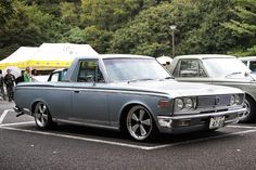 MOONEYES Japan S40 Crown Pickup.
