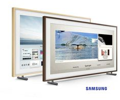 Samsung The Frame UHD TV gives you an incredible art experience at home. Enjoy complimentary customizable Frame & 6 Months subscription of an Art store. Picture Frame Tv, Online Art Store, Impressive Image, Samsung Tvs, Framed Tv, Tv In Bedroom, Support Mural, Led Panel, Cabin Design