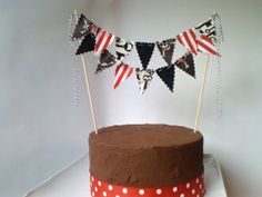 Hey, I found this really awesome Etsy listing at https://www.etsy.com/listing/121622905/cake-bunting-pirate-party-theme-cake