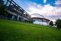 Für die ESL One Cologne bauten wir direkt neben der Lanxess Arena in Köln eine 25 x 30 Meter große Alu-Zelthalle!