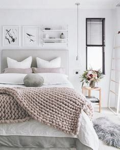 The pinterest-proven formula for the ultimate cozy bedroom apartment therapy. Cosy Bedroom Warm, Bedroom Ideas For Small Rooms Cozy, Winter Bedroom Decor, Small Master Bedroom, Diy Bedroom Decor, Modern Bedroom, Bohemian Bedroom Design, Bedroom Design Inspiration, Bohemian Bedrooms
