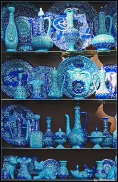 Dreaming of exploring a market someplace exotic? Istanbul is the destination for you. Dreaming of exploring a market someplace exotic? Istanbul is the destination for you. Love Blue, Blue And White, Color Blue, Soho House Istanbul, Foto Poster, Color Turquesa, Four Seasons Hotel, Blue Aesthetic, Islamic Art