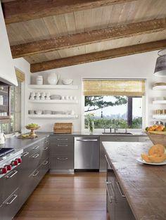 Mediterranean-Style-House-Ryan-Street-06-1-Kindesign.jpg 965×1.280 píxeles