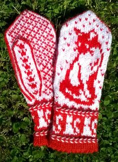 Knitted Mittens Pattern, Knit Mittens, Knitted Gloves, Knitting Socks, Baby Knitting, Knitting Charts, Knitting Stitches, Knitting Patterns, Wrist Warmers