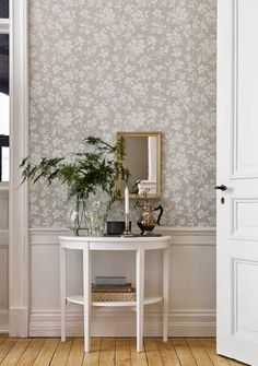 art deco home decor Swedish Wallpaper, Home Wallpaper, Hallway Wallpaper, Dining Room Wallpaper, Cosy Living, Home Decoracion, Living Spaces, Living Room, Decor Room
