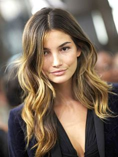The 7 best hairstyles for square faces: Lily Aldridge