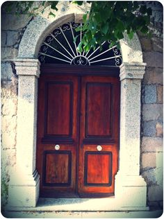 Wooden Door in Pinarello(Corse)