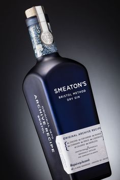 Smeaton's Bristol Dry Method Gin on Packaging of the World - Creative Package Design Gallery