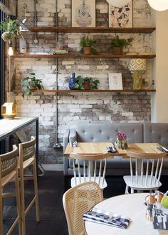 Rustic cafe decor ideas coffee shop home decorating on cm living house french design kitchen interior Small Restaurant Design, Modern Restaurant, Decoration Restaurant, Small Cafe Design, Restaurant Interior Design, Kitchen Interior, Cozy Cafe Interior, Restaurant Shelving, White Restaurant