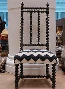 CR Laine Furniture Spool Chair 9125 Furnitureland South