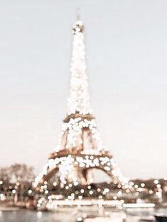 Paris We share the best pairs of travel destinations, pay for travel destinations . - Paris We share the best pairs of travel destinations, pay for travel destinations … - Gold Aesthetic, Aesthetic Collage, Travel Aesthetic, Cream Aesthetic, Aesthetic Vintage, Aesthetic Fashion, Photo Wall Collage, Picture Wall, Aesthetic Backgrounds