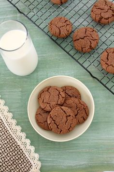 Eggless nutella cookies recipe - of course made with NUTELLA. These cookies have crisp edges with soft and chewy center, THE PERFECT.