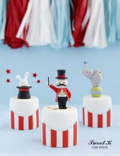 Circus Minicakes by