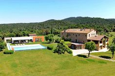 Check out this amazing Luxury Retreats  property in Costa Brava, with 10 Bedrooms and a pool. Browse more photos and read the latest reviews now.