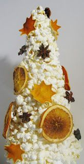 Ideas art for everyone, DIY - Joanna Wajdenfeld: Choinki- execution of the basics of papier-mache and not only
