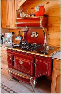 Vintage Kitchen This Stove. I want this stove. Red Kitchen, Country Kitchen, Vintage Kitchen, Kitchen Decor, Kitchen Design, Decorating Kitchen, Barn Kitchen, Vintage Cooking, Kitchen Layout