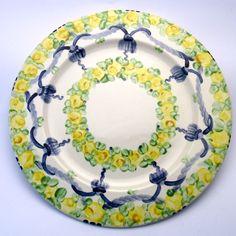 Alle Platzteller der Familie BlueHoria-Berdea! Die Blau-Gelb-Grüne Designfamilie von Unikat-Keramik. Das wohl einzigartigste Keramik Geschirr der Welt! Plates, Tableware, Blue Yellow, Unique, Dishes, World, Licence Plates, Dinnerware, Griddles