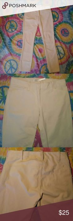 """NWOT LEON MAX TAN SKINNY PANTS-SIZE 0 -New, Never Worn -Leon Max Tan Skinny Pants -Size 0 -Very good looking  -Excellent Stretch  -2 pockets in front, 1 pocket on right hip -65% Cotton, 27% Nylon, 8% Spandex -Waistline measures 14"""", laying flat -Inseam measures 28"""" in length -Pant leg opening measures 5"""" Leon Max Pants Skinny"""