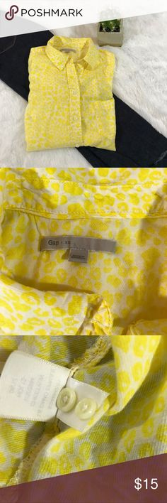 Gap tissue Blouse yellow and white XS This is a great light weight Blouse to put under sweaters for a pop of color! So soft and can carry you in to spring. It's similar to a cheetah print, classy and bright. (C) GAP Tops Button Down Shirts