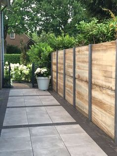 59 Amazing Backyard Privacy Fence Design Ideas - How to Build a Wood Privacy Fence Backyard Privacy, Backyard Fences, Backyard Landscaping, Landscaping Ideas, Privacy Fence Landscaping, Diy Fence, Garden Fencing, Garden Trellis, Fence Ideas