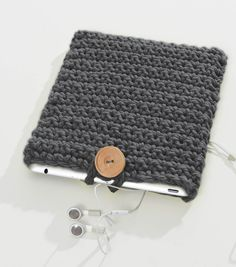 Make a #handmade case for your tablet with this FREE Crochet iCover pattern from Joann.com