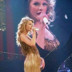 Taylor Swift in Nashville.. AMAZING!