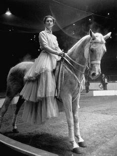 Gordon Parks, Countess Jean-Yves de la Cour riding on a circus horse, France, Gordon Parks, Old Circus, Night Circus, Circus Room, Circus Acts, Dark Circus, Glamour Photography, Vintage Photography, Fashion Photography