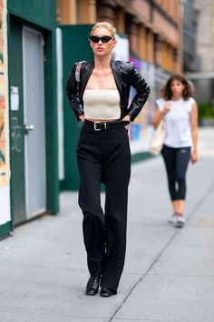 Photos : Elsa Hosk – Seen on street in SoHo , informations and more on Celebrity. Outfits Otoño, Model Outfits, Stylish Outfits, Fashion Outfits, Fashion 2020, Look Fashion, Fashion Models, Winter Fashion, Street Style Outfits