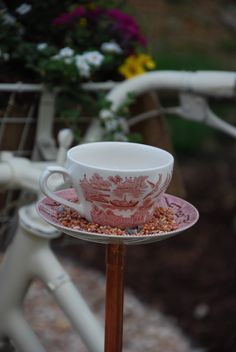 Vintage Country Style: Tea Cup Bird Feeder Tutorial